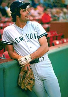 Lou Piniella - a great Mariners coach, but he sure didn't look that good! Baseball Manager, New York Yankees Baseball, Pro Baseball, Baseball Players, Baseball Classic, Baseball Teams, Mlb Players, Baseball Photos, Baseball Cards