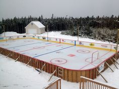 backyard hockey rink -I WANT ONE! (I may need a bigger yard). Outdoor Hockey Rink, Backyard Hockey Rink, Backyard Ice Rink, Ice Hockey Rink, Hockey Games, Hockey Decor, Hockey Room, Blackhawks Hockey, Nhl News