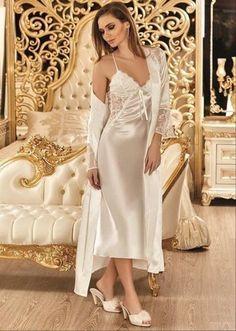 Nurteks 6692 6 Pcs Satin Robe Set will make you redefine comfort when you wear this cozy and stylish set. Lingerie Vintage, White Lingerie, Bridal Lingerie, Beautiful Lingerie, Lingerie Gown, Satin Nightie, Satin Sleepwear, Nightwear, Satin Dresses