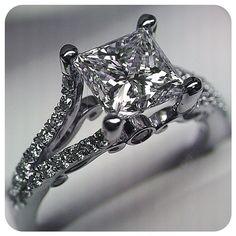 Bright and beautiful. {Insignia-7008} #sparkles #ring #verragio #love