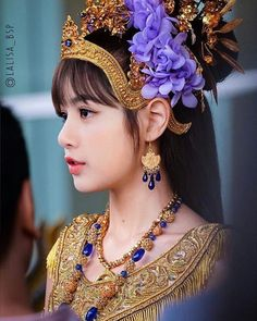 [Wallpaper KS Wallpaper Lisa BLACKPINK 2018 Special Traditional Thai Clothing and Costume Songkran Day 2018 800 x 992 for Android/Iphone Dimensions : 800 Blackpink Lisa, Jennie Blackpink, Lisa Black Pink, Black Pink Kpop, Kpop Girl Groups, Korean Girl Groups, Kpop Girls, Thai Princess, Thailand Princess
