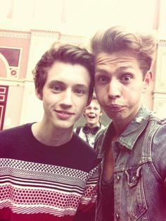 James and Troye sivan!!!! And I think that's caspar lee in the back haha!