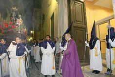 El Cristo del Perdón en el acto de liberación de un Preso, Semana Santa de Cáceres 2012,