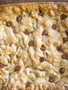 Have five minutes? Chocolate Chip Pan Cookies, Chocolate Chips, Cookie Recipes, Snack Recipes, Bar Recipes, Beef Brisket Recipes, Summer Cookies, Baby Cookies, Heart Cookies