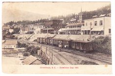 BC – ARROWHEAD, Town View Dominion Day in 1907 PPC
