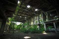 Although built in 1851 as a glass factory, it had to be used as a shipyard during World War II until A abandoned shipyard is located in Nagasaki,Japan. It was demolished 2 years ago! Abandoned Buildings, Abandoned Places, Abandoned Factory, Concrete Building, Cities, Dark Places, Environmental Art, End Of The World, Land Art