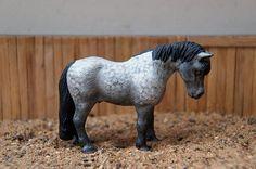 Custom Schleich Pony by Hakuna Matata studio - model horse