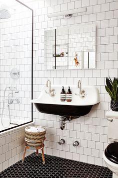 Amazing DIY Bathroom Ideas, Bathroom Decor, Bathroom Remodel and Bathroom Projects to greatly help inspire your master bathroom dreams and goals. Bad Inspiration, Bathroom Inspiration, Bathroom Ideas, Bathroom Designs, Bathroom Showers, Shower Ideas, Bathroom Goals, Budget Bathroom, Bathroom Layout