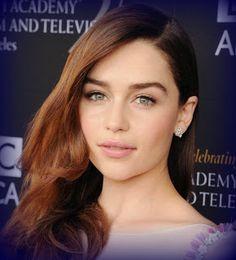 Emilia Clarke: Height,Weight,Age,Bra Size,Affairs,Measurement