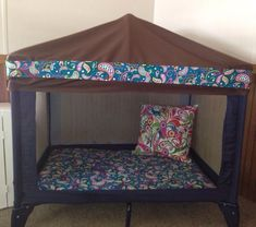 Toddler bed, book nook or even a dogs bed made from an old pack n play. What a creative way to recycle that old play pen into something new the kids or dogs will enjoy. Pack And Play, Diy Toddler Bed, Play Beds, Diy Home Decor, Room Decor, Travel Cot, Book Nooks, Reading Nooks, Baby Play