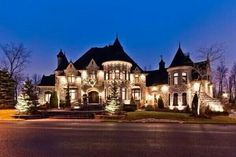 My future house! Dream Mansion, Big Houses, House Goals, Inspired Homes, Exterior Design, Luxury Homes Exterior, Luxury Homes Dream Houses, Dream House Exterior, Modern Exterior
