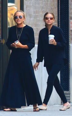 Mary-Kate Olsen & Ashley Olsen from The Big Picture: Today's Hot Pics  The Olsen twins are seen in NYC.