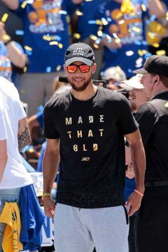 Stephen Curry of the Golden State Warriors celebrates winning the 2017 NBA Championship during a parade on June 15 2017 in Oakland CA NOTE TO USER. Stephen Curry Family, The Curry Family, Nba Stephen Curry, Basketball Goals, Basketball Players, Basketball Tickets, Steph Curry Wallpapers, Seth Curry, Wardell Stephen Curry