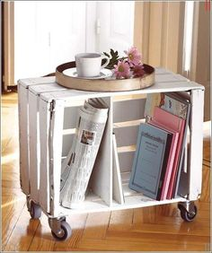 Handmade Home Decor For Your Own Personal Touch – DecorativeAllure Interior Design Living Room, Living Room Decor, Wooden Crate Shelves, Table Palette, Old Crates, Diy Casa, Diy Home Decor Projects, Handmade Home Decor, Home Accessories