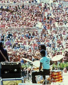 **Bob Marley & The Wailers** Santa Barbara County Bowl, Santa Barbara, CA, USA, May 31, 1976. More fantastic pictures, music and videos of *Robert Nesta Marley & His Wailers* on: https://de.pinterest.com/ReggaeHeart/