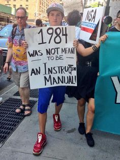 """From """"Fourth of July protesters rally against NSA surveillance"""" story by CBC News Community on Storify — http://storify.com/cbccommunity/restore-the-fourth-rallies-sweep-through-united-st"""