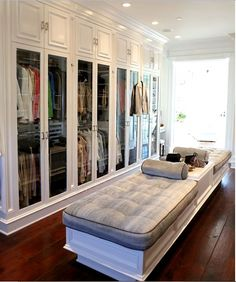 Concepts in wardrobe design. Storage ideas, hardware for wardrobes, sliding wardrobe doors, modern wardrobes, traditional armoires and walk-in wardrobes. Closet design and dressing room ideas. Dressing Room Closet, Closet Bedroom, Master Closet, Dressing Rooms, Closet Space, Huge Closet, Dressing Area, Foster House, Beautiful Closets