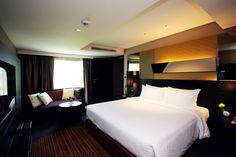 Golden Tulip Mandison Suites Bangkok - Sukhumvit - Bangkok, Thailand Business Centre, Bangkok Thailand, Tulip, Night Life, Furniture, Home Decor, Homemade Home Decor, Tulips, Home Furnishings