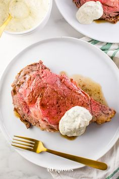 This easy prime rib recipe with au jus and *perfect* creamy horseradish sauce is perfect for the holidays! Medium rare, super tender, and so, so easy.