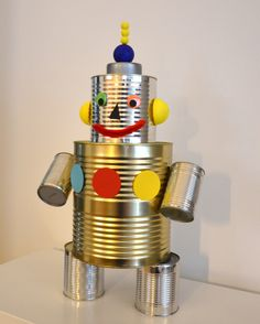Robot - Roboter - Party - Decoration - Dekoration Tin Can Robots, Robots For Kids, Recycled Robot, Recycled Art, Robot Classroom, Diy For Kids, Crafts For Kids, Tin Can Art, Robot Theme