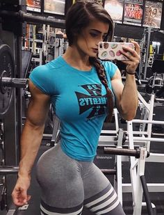 awesome body 🔥🔥🔥🔥🔥🔥🔥🔥🔥🔥🔥🔥😍😻💖💪💪💪💪💪💪  ripped girls