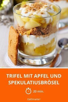 Trifle with apple and speculoos crumbs - smarter - calories: 257 kcal - time: 2 . - Trifle with apple and speculoos crumbs – smarter – calories: 257 kcal – time: 20 min. Trifle Desserts, Pie Dessert, Fruit Trifle, Fruit Dessert, Desserts For A Crowd, Easy Desserts, Elegant Desserts, Summer Desserts, Thanksgiving Desserts