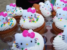Within the HELLO KITTY CAKES gallery album you will find quite a few (total of pictures that you can browse, enjoy, comment upon and discuss. Please feel free to share + upload your own Hello Kitty Cakes pics plus read other people's opinions. Bow Cakes, Mini Cakes, Cupcake Cakes, Rose Cupcake, Bolo Da Hello Kitty, Hello Kitty Birthday, Hello Kitty Cupcakes, Cupcakes Chat, Ladybug Cupcakes