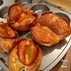 Lighter Yorkshire Puddings - Pinch Of Nom Slimming World Cake, Vegan Slimming World, Slimming World Recipes Syn Free, Weight Watchers Uk, Roast Dinner, Puddings, Yorkshire, A Food, Nom Nom