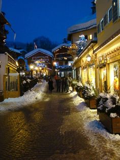 #Megeve Christmas Scenery, Christmas In The City, Winter Scenery, Europe Centrale, Luxury Ski Holidays, Chamonix Mont Blanc, Voyage Europe, French Alps, Dream City
