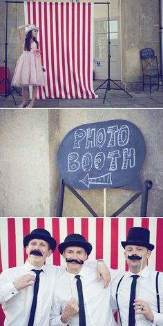 bright idea for a photo booth