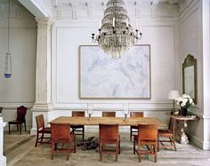 A shining example of luxury interior design by Rose Uniacke. Pimlico House experienced a total renovation and is now one of the 'loveliest houses in London'. Contact our Pimlico interior design team today for more information. Dining Area, Dining Table, Dining Rooms, Oak Table, Dining Chairs, Rose Uniacke, Vogue Living, Best Interior, Room Interior