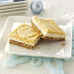 Layered Pumpkin Cheesecake Bars Recipe -Enjoy this holiday dessert without worrying about calories. Plus it is so luscious that no one will guess that it is light! Holiday Desserts, Just Desserts, Delicious Desserts, Yummy Food, Dessert Healthy, Holiday Recipes, Cheesecake Recipes, Dessert Recipes, Dinner Recipes
