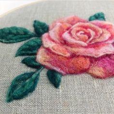 @_mylittleneedle_ . . Cr: @begoodnatured #mylittleneedle #embroidery #embroideryworld #handmade #comment #follow #like #nature #smile #discover #crossstitch #petit #brezilyanakışı #iğneoyası #fff #kasnak #keets #needle #workroom #flowers #rose #pink #pinkroses #weekend #roses #fiberart #fiber #fiberrose #art