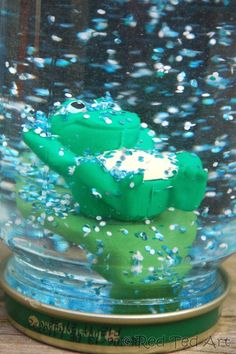 "DIY Snowglobe Craft - a wonderful and ""classic"" craft for Winter... lovely! We made this froggy one, as well as a solar system one!"