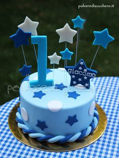 Cake in sugar paste decorated with stars, for the first birthday of a . - Cake in sugar paste decorated with stars, for the first birthday of a … – - Gateau Baby Shower Garcon, Festa Mickey Baby, Baby First Birthday Cake, Blue Birthday, Birthday Ideas, Birtday Cake, Star Cakes, Birthday Cake Decorating, Sugar Paste