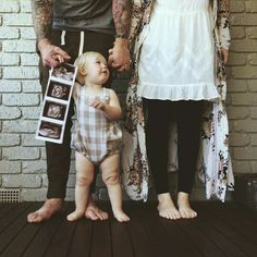 Beautiful announcement of the second baby - The Journey through Pregnancy - # Baby Number 2 Announcement, Second Baby Announcements, Halloween Pregnancy Announcement, Pregnancy Announcements, Maternity Pictures, Baby Pictures, Baby Photos, Family Photos, 2nd Baby