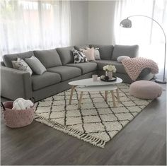 Gray and pink living room - is to me - Living rooms - # is .- Graues und rosa Wohnzimmer – ist zu mir – Living rooms – … Gray and pink living room – is to me – Living rooms … - Living Room Grey, Living Room Sofa, Living Room Interior, Home Living Room, Living Room Designs, Living Room Furniture, Living Walls, Blush Grey Copper Living Rooms, Grey Loving Room Ideas