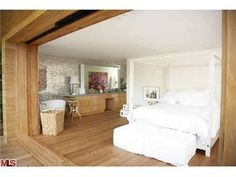 Rent Pam Anderson's Malibu Bedroom - Well Whole House