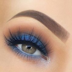 Blue Eyeshadow Looks, Blue Makeup Looks, Blue Eye Makeup, Smokey Eye Makeup, Blue Eye Shadow, Blue Smokey Eye, Makeup For Blue Dress, Navy Blue Makeup, Yellow Makeup