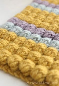 crochet bobble stitch-I love this! Must learn to crochet :) Diy Tricot Crochet, Crochet Motifs, Knit Or Crochet, Learn To Crochet, Crochet Crafts, Yarn Crafts, Crochet Stitches, Bubble Crochet Stitch, Bobble Stitch Crochet Blanket