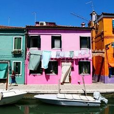 Instagram의 bonheur 보네르님: 그들의 #일상 에 잠시 들어가보기 :) 알록달록 참 예쁜 #부라노섬 _ #베네치아 #베니스 #이탈리아여행 #buranoisland #venice #venezia #italy #trip #colorful #amazing