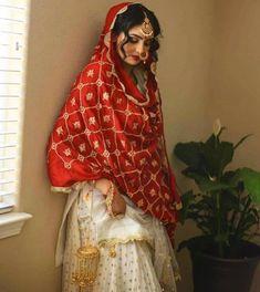 Best Trendy Outfits Part 6 Punjabi Wedding Suit, Punjabi Bride, Pakistani Wedding Outfits, Indian Bridal Outfits, Indian Bridal Fashion, Pakistani Dresses, Indian Dresses, Punjabi Suits, Punjabi Girls