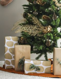 Soft gold and burnt orange Christmas decorations are a sophisticated pairing. Here's how to give this retro colour combination a modern take Christmas Trends, Christmas Fashion, Christmas Colors, Gold Christmas Decorations, Tree Decorations, Holiday Decor, Very Merry Christmas, Xmas, Velvet Footstool