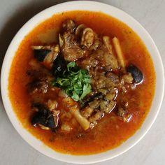 PAAYA SHORBA (PAYA SOUP) / LAMB LEG SOUP paleo indian food bone broth Paleo Indian Recipes, Vegetarian Recipes, Ethnic Recipes, Chef Recipes, Cooking Recipes, Drink Recipes, Nihari Recipe, South Indian Food, Korma