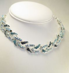 VINTAGE NECKLACE AB RHINESTONES BLUE ENAMEL RHODIUM PLATED 50s ERA