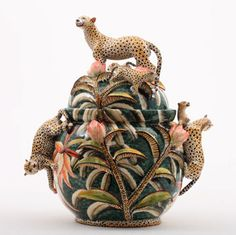 Paris – Perimeter art gallery hosts 'Visions africaines' with a selection of des… Glass Ceramic, Ceramic Pottery, African Pottery, South African Artists, Animal Print Fashion, Galerie D'art, Ceramic Animals, High Art, Ceramic Artists