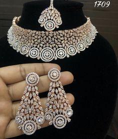 Bridal Necklace, Wedding Jewelry, Wedding Jewellery Inspiration, Diamond Necklace Set, Diamond Jewelry, Diamond Pendant, Indian Jewelry Sets, Bling Bling, Fashion Jewelry