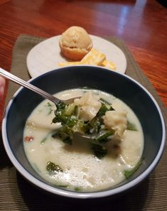Cauliflower Soup – Fit From the market Easy Recipes, Easy Meals, Spring Treats, Head Of Cauliflower, Up Fitness, Muffin Mix, Shredded Carrot, Bacon Bits, Apple Butter