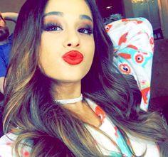 Super Cute Make Up, Hair, and Choker!! Love it!  -Via-Ariana Grande's Snapchat (moonlightbae)