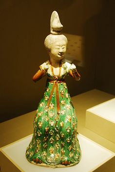 Tang Dynasty (618-907 AD). At that time, women's social rights and social status were incredibly liberal-minded. The first female emperor, Wu Zetian was born at that time. Women were together and had their social club activities for exchange ideas and thoughts without the attending of men. Slightly fat (or plump) was considered as fashionable for women.